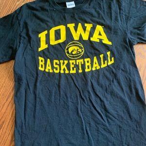 Tops - university of iowa basketball tshirt
